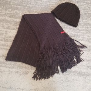 Esprit Knit Scarf and Hat Set